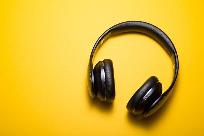 Smart TVs & Headphones: 8 Answers (For Beginners)